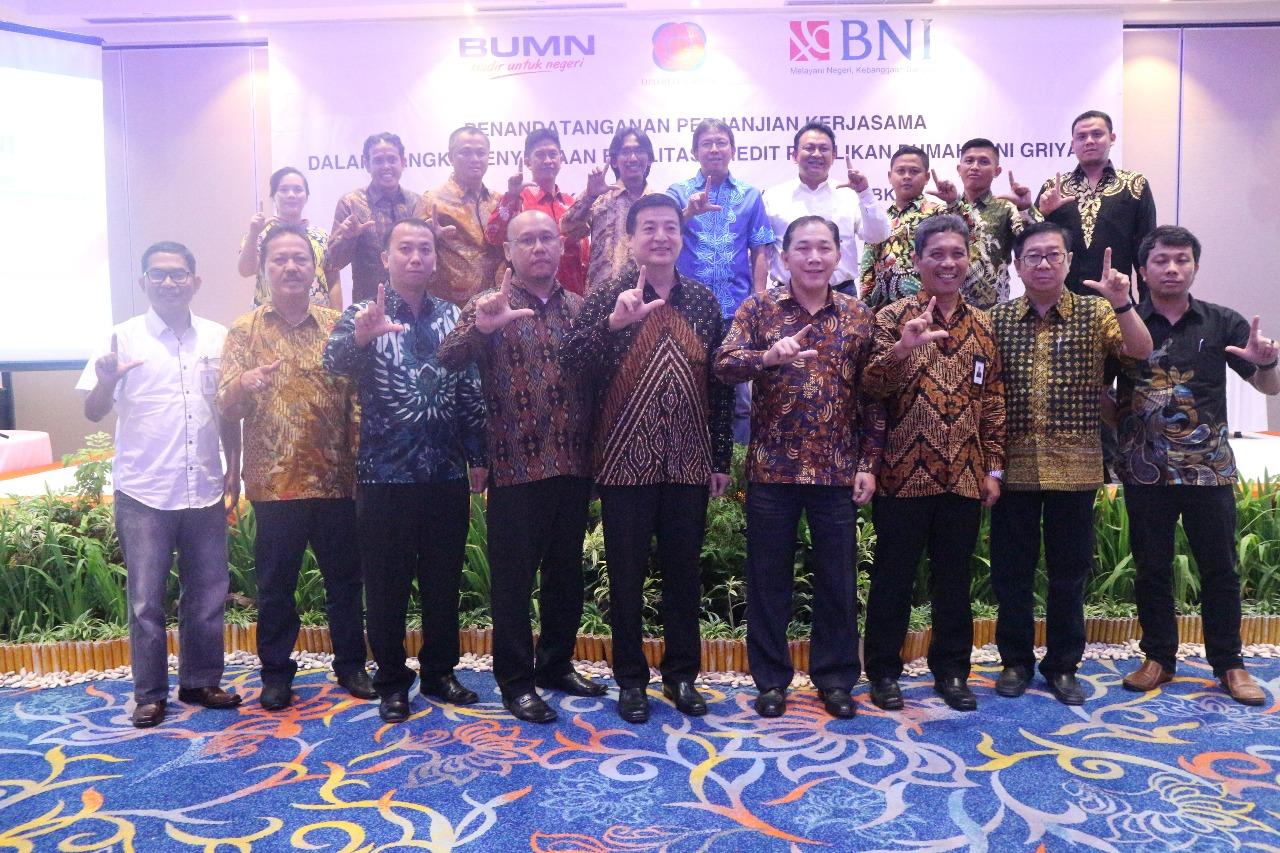 15 Pengembang Perumahan Anggota REI Lampung melakukan Penandatangan Kerja Sama dengan Bank BNI