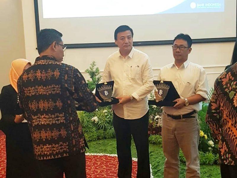 Dpd Rei Lampung mendapatkan penghargaan LIAISON peringkat pertama dari survei BI